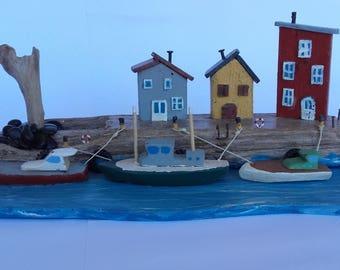 village de bord de mer, port, bateaux, maison d'art, bois flotté, art du recyclage, miniature, paysage de bord de mer