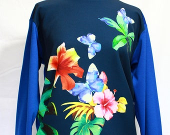Light Sweatshirt electric blue and flowery prints