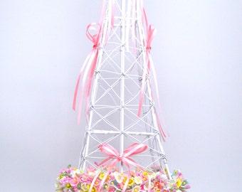 Eiffel Tower Centerpiece/Springtime in Paris Centerpiece/Wedding Centerpiece/Sweet 16 Centerpiece/Wire Eiffel Tower