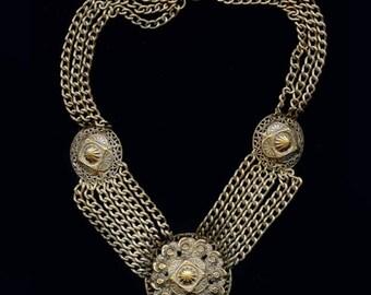 Vintage multistrand brass festoon necklace. (nlvn696)