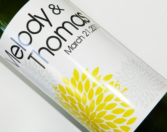 Set of 20 - PERSONALIZED WINE LABEL - Mum Flower Elegance - For Weddings, Anniversaries, Or Any Special Occasion