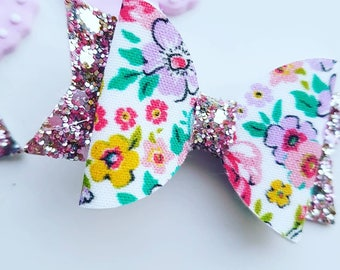 Small spring print bow