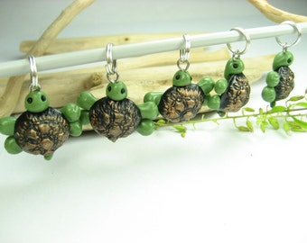 Black Green Turtle Stitch Markers Set of 5 turtle charms miniature animal gifts for knitters her polymer clay knitting accessories cute knit