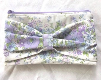 Bow clutch, clutch, casual clutch, vintage clutch, sustainable fashion, slow fashion, bow purse, upcycled clutch, zip pouch, pencil case