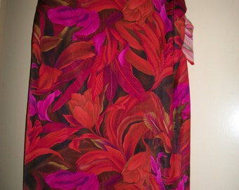 Vintage Janzten Red, Fuchsia Hibiscus Pattern Beach Skirt, Sarong, Cover Up, One Size