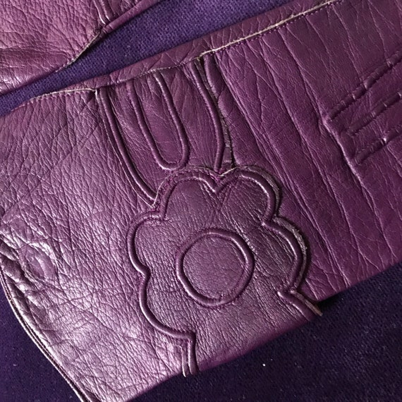 1930s gloves, purple leather, daisy, 30s gloves, vintage leather gloves, flower design, 20s, small 5 6