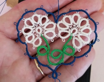 GARDEN Heart Tatted Flower Bookmark with Tassel Tatting Valentine
