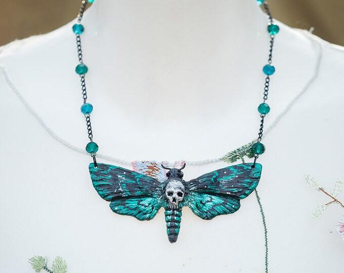 Skull Swarm Necklace Green