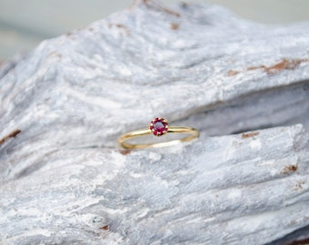 Ring Solid Gold with Rose Garnet, 14k Gold Garnet Ring, Thin Gold Ring, Minimal Engagement Ring, Thin Engagement Ring