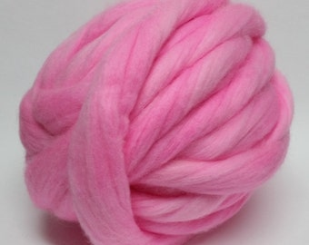 Merino wool roving pink