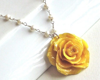 Real Yellow Rose Necklace - Real Flower Jewelry, Preserved Jewelry, Floral Jewelry, Pearl Necklace, Nature Jewelry