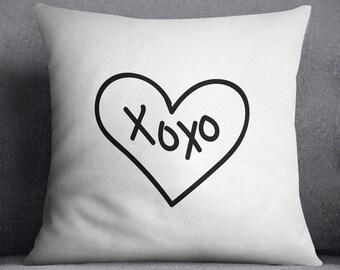 xoxo pillow cover, Custom text, Scandi, Minimalistic decor, Love, Heart pattern, Black and white, Kiss, 20x20, 16x16, Simple, Modern, Gift