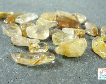 quartz chips, beige, 5-10mm (PG29) 20 beads