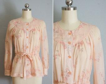 1970s Peach Bouquet cotton top | vintage 70s floral blouse | 70s peplum top