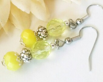 Yellow Earrings, Spring Wedding Jewelry Bridal Earrings Bridesmaids Gift, Glass Drop Earrings, Birthday Gift for Mom, Boho Beaded Earrings