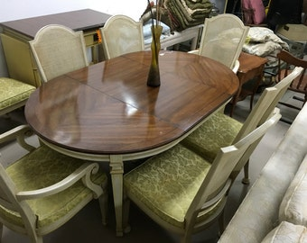 1960,s table and 6 chairs with extra leaf