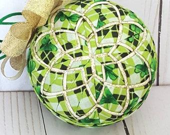 St. Patrick's Day decor, Shamrock Decor, Saint Patrick's Day gift, Celtic knot gift, Celtic knot decor, green and gold decor, Irish gift