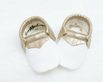 Baby Moccs, -Moccasins, -White and Gold Moccs
