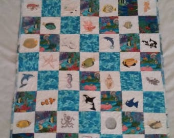 New quilt, handmade, machine embroidered small quilt, can be used as a lap quilt, or baby quiilt