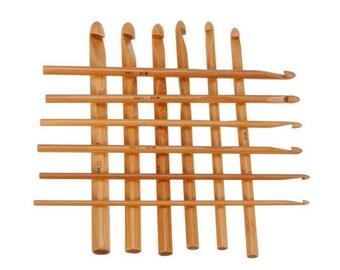 Set of 12 crochet hooks in bamboo