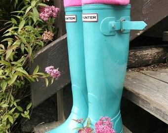 SLUGS Fleece Rain Boot Liners Solid Pink, Wellington Boot Socks, Fall Winter Rainy Day Fashion, Boot Cuff Insert (Sm/Med 6-8 Boot)