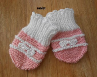 mittens baby birth flower alone
