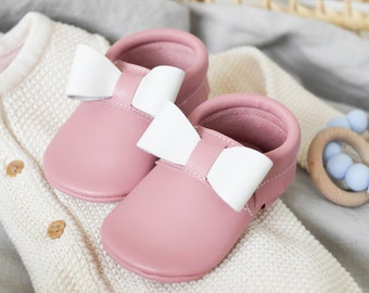 Leather Baby Shoes | Pink Baby Shoes | Baby Shoes | Baby Moccasins | Baby Booties | Baby Shower Gift | Baby Girl | Bow Moccasins