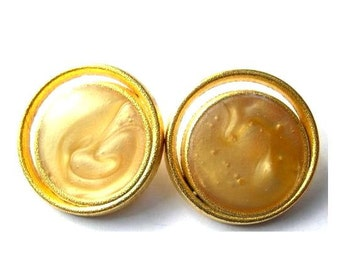 6 Vintage metal buttons gold color metal with cream plastic trim, 23mm