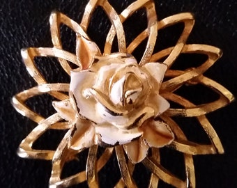 Beau Jewels, Gold tone Star burst brooch, with Cream color rose in center mid century