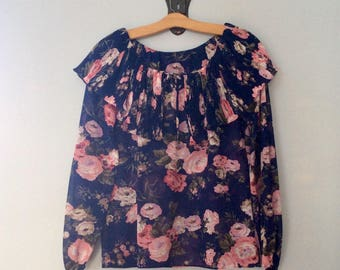 1970s Country Floral Off the Shoulder Blouse