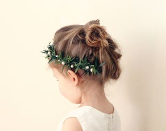 Flower girl leaf crown, Pearl hair wreath, Greenery and pearls, Palm leaves wreath, Toddler Photo Prop, Photography prop (12+ months)