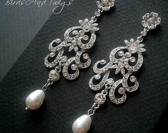 Mariée lustre perle boucles d'oreilles fleur défilement mariage classique blanc Swarovski perles et strass en cristal