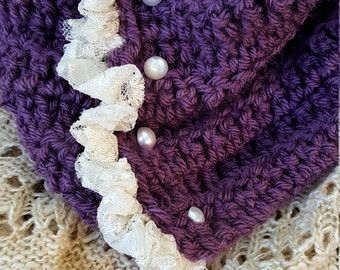 Lace and lavender cowl