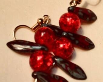 Throne berry dangle earring