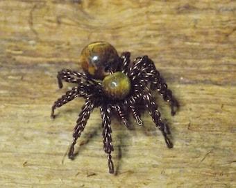 wire spider, spider small, Tiger's eye