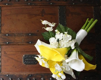 Calla Lily Bouquet (Yellow) with Real Touch Flowers, Summer Wedding, Spring Wedding Bouquet
