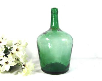1 demijohn bottle, 2 litres green glass bottle, dame jeanne wine bottle, Mediterranean decor, loft decor, French home decor, beach decor.