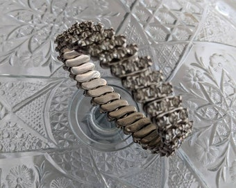 Clear Rhinestone Expansion Bracelet