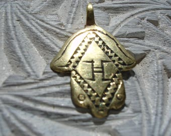 Moroccan small brass double sided hand engraved Hand pendant with wavy line  and  zig zags