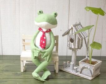 Stuffed Frog - PDF Sewing Pattern & Tutorial | Stuffed  animals | Plush toys patterns | Softies | DIY Projects | Fabric toys