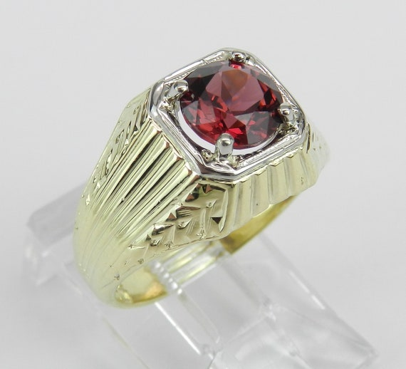 Vintage Antique 18K Yellow Gold Unisex Garnet Solitaire Engagement Ring Sizable
