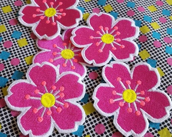 Flower Patch - emoji - pink -  Embroidered Iron on Patch, Patches, Jacket, Bag, Jeans, Motif, Customise