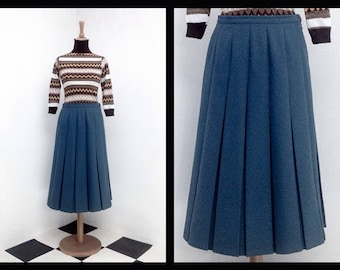 40's style grey pleated skirt