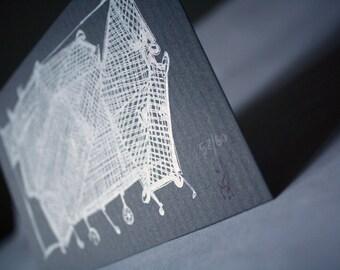 Rassel & Beule | Einkaufen Warenkorb Kreatur Gocco per Hand in Silber auf strukturierten grauen Karton mit einem weißen Matte von Kathryn DiLego gedruckt