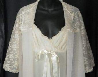 SUPER SALE!!! Vintage Van Raalte Beige Luxury Nylon and Chiffon Nightgown & Peignoir Set 34
