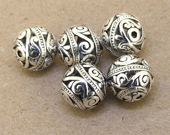 5 pcs of charm Antique Brass Silver plated Flower Ball beads metal findings Beads ----- 14mm ----- 5Pieces 2AB