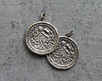 Vintage coin pendants, Pewter coin pendants, Copie coins, Museum replica pendants, Pewter coins, 1980's jewelry, Coin jewelry