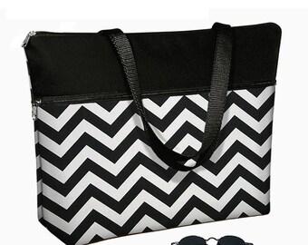 "Chevron Laptop Tote Bag / 17 inch Laptop Bag with Straps / Womens 17"" Laptop Case / Pockets,  Zipper /  Black & White RTS"