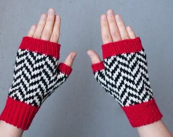 Twin Peaks clothing, Black Lodge gloves, size M, chevron pattern, handmade, wristwarmers, wool