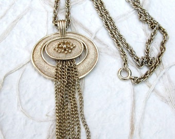 """Vintage Gold Tone Avon Tassel Pendant on Twisted 24"""" Chain Necklace"""